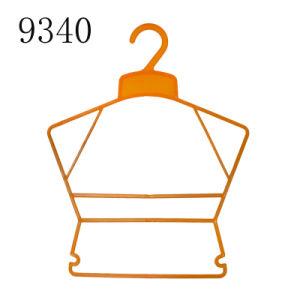 Import Hot Sale Market Plastic Baby Clothes Frame Hangers pictures & photos