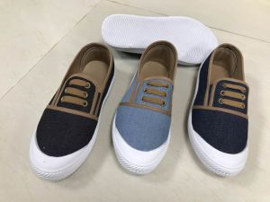Lace-up Women Canvas Leisure Shoes with Cheap Prices pictures & photos