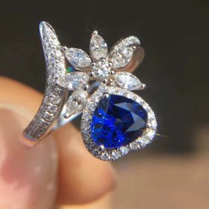 Heart and Flower Silver Ring with Cubic Zircon pictures & photos