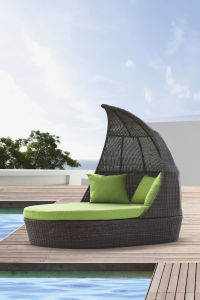 Rattan Outdoor Furniture Sun Loungers Wicker Daybed pictures & photos