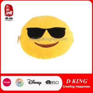 Wholesale Custom Emoji Stuffed Toy Plush Pillow pictures & photos