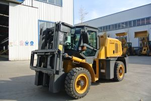 3.5 Ton High Quality Terrain Forklift Made in China pictures & photos