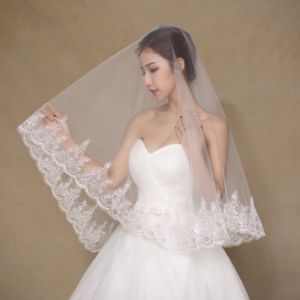 One Layer Short Ivory Wedding Veil with Appliques pictures & photos