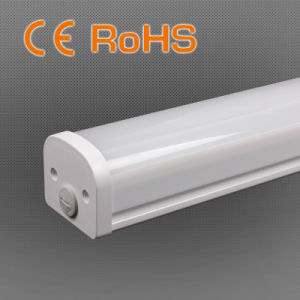 New Tri-Proof LED Light for Garage 54W 100lm/W CRI 80 pictures & photos