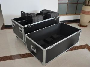 TV Flight Case with Heavy Duty Casters and Thick Foam