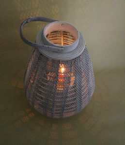 White, Wrought Iron Honeycomb Pear-Shaped Archaize Fresh Lanterns pictures & photos
