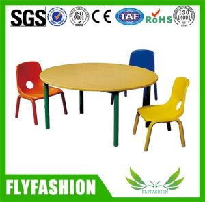 Kids Furniture Wood Round Table Stacking Plastic Chairs pictures & photos
