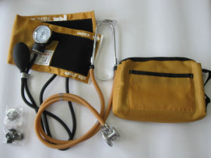 Cheapest Best Colored Aneroid Sphygmomanometer with Sprague Pappaport Stethoscope pictures & photos