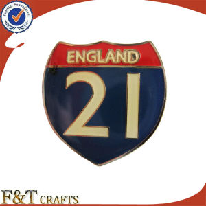 Custom Enamel Crest Varsity Pin Badge pictures & photos
