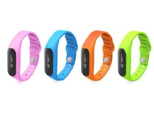 LED Rubber Wireless Vibrating Bluetooth Bracelet Sync Phone pictures & photos