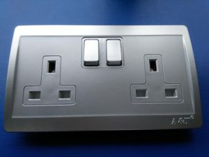 Electrical 2-Gang 13A Switch Socket with PC Material