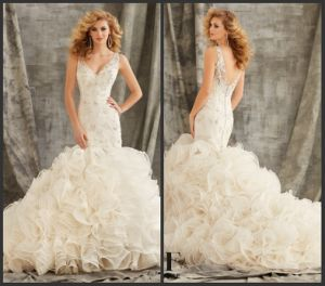 Mermaid Bridal Ball Gowns V-Necklin Sheer Straps Organza Lace Wedding Dresses (Z7003) pictures & photos