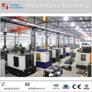 Yaova Manual Pet Plastic Blow Moulding Machine for Beverage Bottle pictures & photos