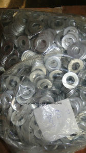 Engine Spare Part / Piston/ Oil Filter / Turbocharger/Piston Ring pictures & photos