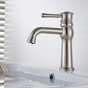 Single Holder Single Hole Bathroom Mixer Tap/Faucet/Taps pictures & photos
