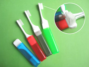 Toothcare with Zipper Bag Children /Travel Toothbrush pictures & photos