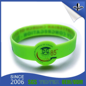2017 Cheap Custom Delicate Embossed Silicone Wristband Rubber Bracelet pictures & photos