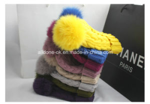 Customize Real Fur POM POM Hand Knitted Hat Winter Hat pictures & photos