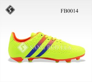 Good Quality Fashion Sport Soccer Shoes pictures & photos
