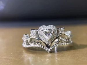 Princess Heart Silver Ring with Cubic Zircon pictures & photos