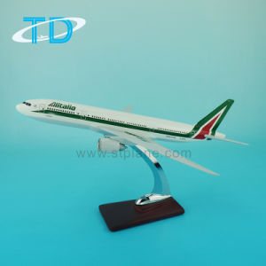 Alitalia B777-200 1: 200 Scale Resin Craft Model Airplane pictures & photos
