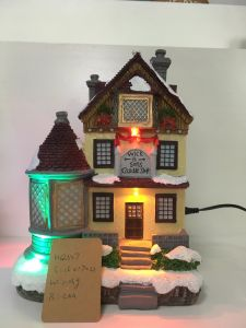 Wholesale Resin Christmas House for Holiday Decoration pictures & photos
