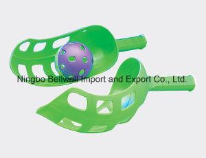 Flip Toss Plastic Scoop Ball Game Set pictures & photos