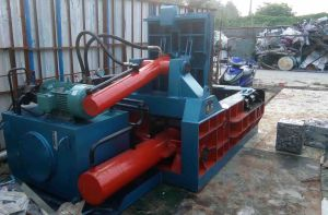 Hydraulic Scrap Baling Press Machine Manufacturers-- (YDF-130A) pictures & photos