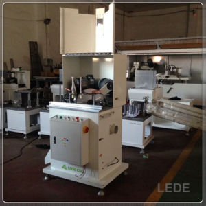 Window Cutting Machinery with 45 Degree Cutting pictures & photos