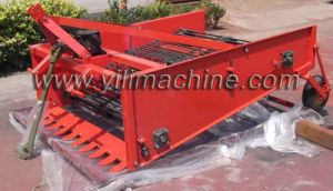 2014 Hot Sales! 4u-70 Mini Single Row Potato Harvester pictures & photos