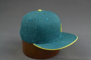 Green Linen Flat Brim Snapback Hat with Yellow Sandwich pictures & photos