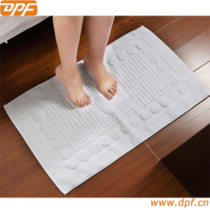 White Jacquard Hotel Floor Towel (MIC052622) pictures & photos