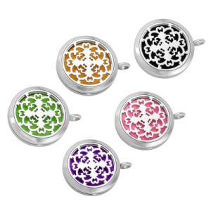 Round Flower Vine Perfume Locket Essential Oils Diffuser Necklace pictures & photos