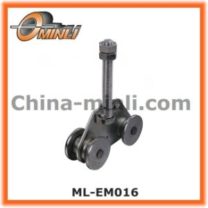 Punching Bracket Pulley for Lighter Hanging Door (ML-EM016) pictures & photos