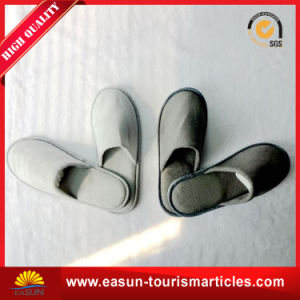 OEM Logo One Size Fits All Disposable Hotel Slippers pictures & photos