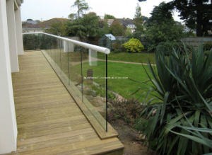 Structural Tempered Frameless Glass Fencing pictures & photos