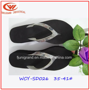 2016 Summer Confortable Sandals Beach Flip Flops Slipper pictures & photos
