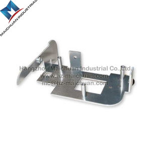 Flat Spring Sheet Metal Clip Fourslide Stamped /Stamping Parts pictures & photos