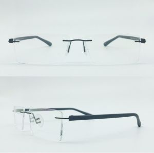 in Stock High Quality Popular Hot Selling Metal Stainless Optical Frames Eyewear pictures & photos
