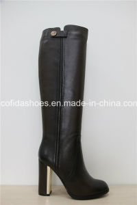 Good Qualtiy Black Fashion Leather Women′s Boots pictures & photos