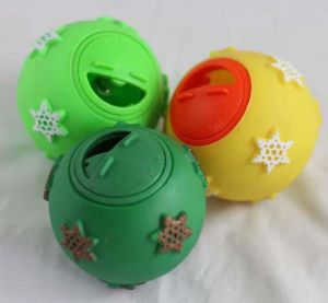 Pet Hospital New Arrival Pet Snack Ball pictures & photos
