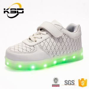 Hot Fashionable Style PU Leather LED Shoes for Children pictures & photos