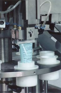 Automatic Tube Filling and Sealing Machine for Cream Tube pictures & photos
