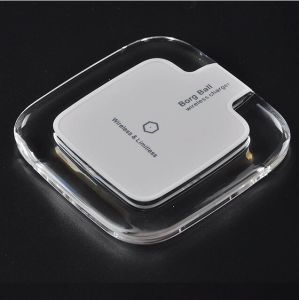2016 Newest Universal Qi Wireless Charger Charging Pad pictures & photos