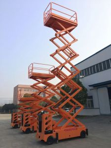 Professional Powered Scissor Lift pictures & photos
