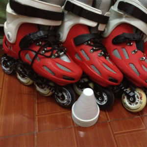 Roller Skate & Traditional 4-Wheel Skate for Adults pictures & photos