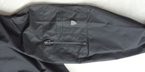 Men′s Spring/Autumn Long Sleeve Jacket with Pen Pocket (15PEGCS004) pictures & photos