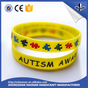 Customized Logo Color Filled Silicone Wristband pictures & photos