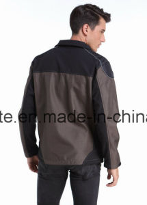 2016 Waterproof Workwear Softshell Jacket with Reflective Tape pictures & photos