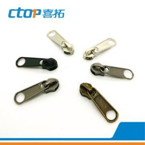 8# Nylon Cheap Popular Sale Zipper Slider pictures & photos